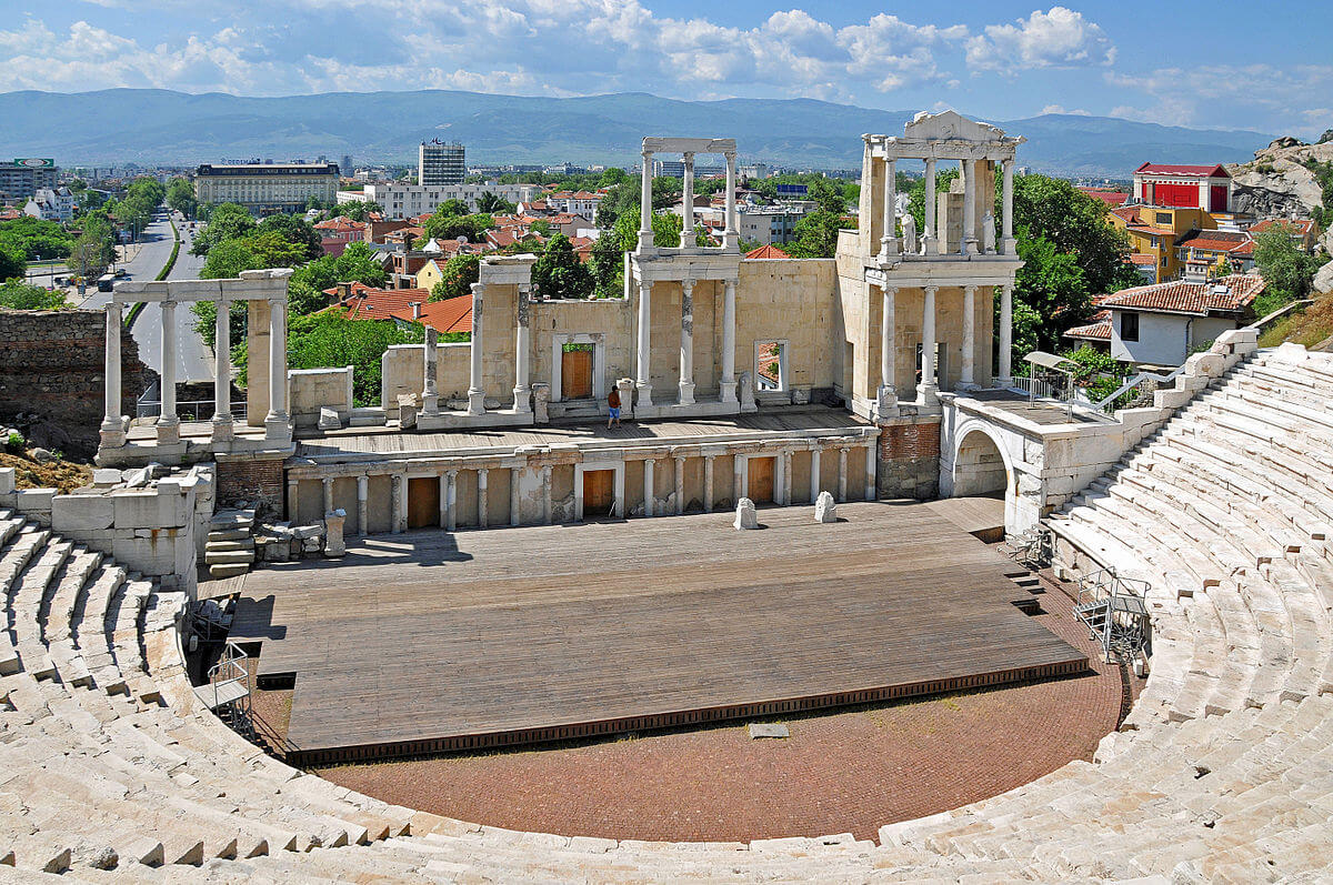 Plovdiv Antique Theatre - Must-see Places in Plovdiv